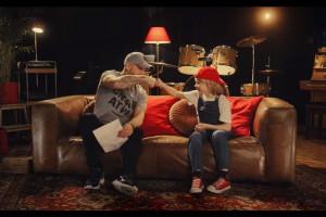 Peja rapuje o krasnoludkach w reklamie Pizza Hut (wideo)