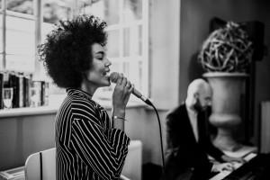 Zoni zaprasza na Jazz & Wine – cykl letnich koncertów połączonych z degustacją win