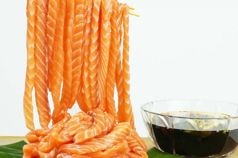 Sashimi Noodles, czyli makaron z łososia idealny do mukbang