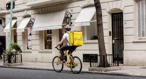 Glovo: 40 proc. Polaków co najmniej raz w tygodniu zamawia jedzenie z dostawą