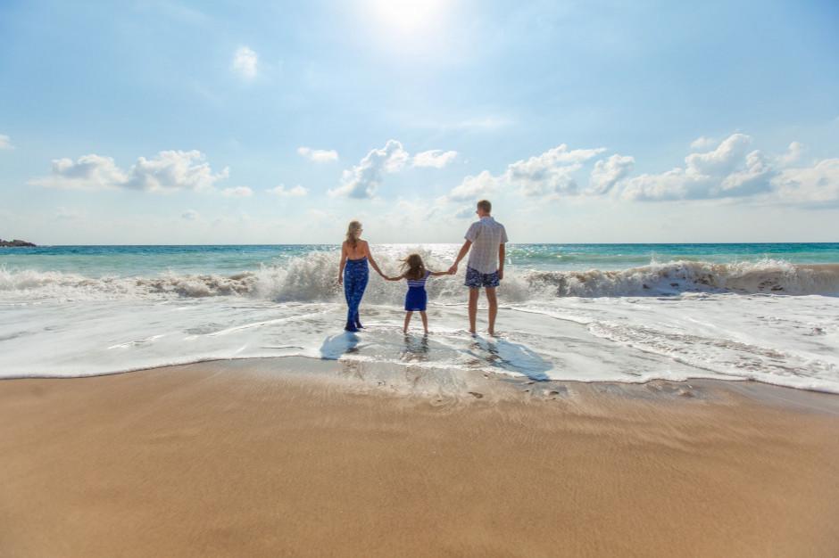 Z bonem turystycznym o 15 proc. więcej rodzin z dziećmi pojedzie na wakacje