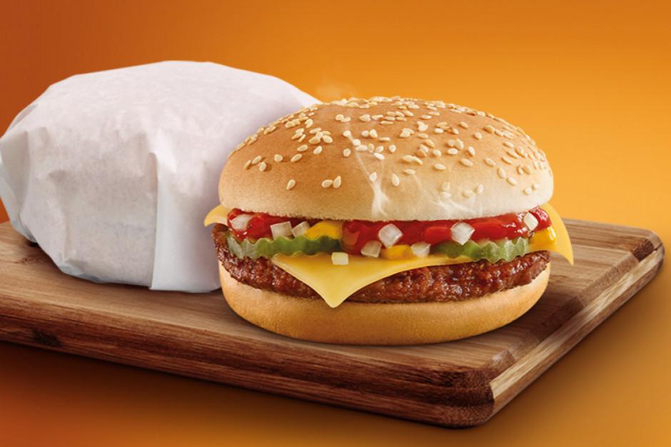 Żabka Café sprzedała przez miesiąc ponad 1 mln cheeseburgerów