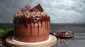 Czekolada czy śmietana – trendy na rynku tortów