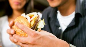 Koronawirus dopiekł fast foodom