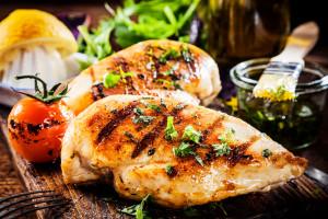 Odradzająca się gastronomia w Europie może pomóc polskim eksporterom drobiu nadrobić straty