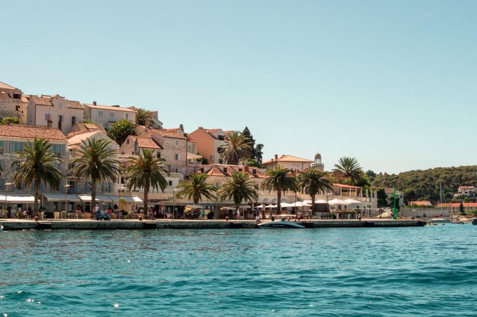 MSZ odradza podróże do Chorwacji ze względu na duży odsetek zakażeń COVID-19