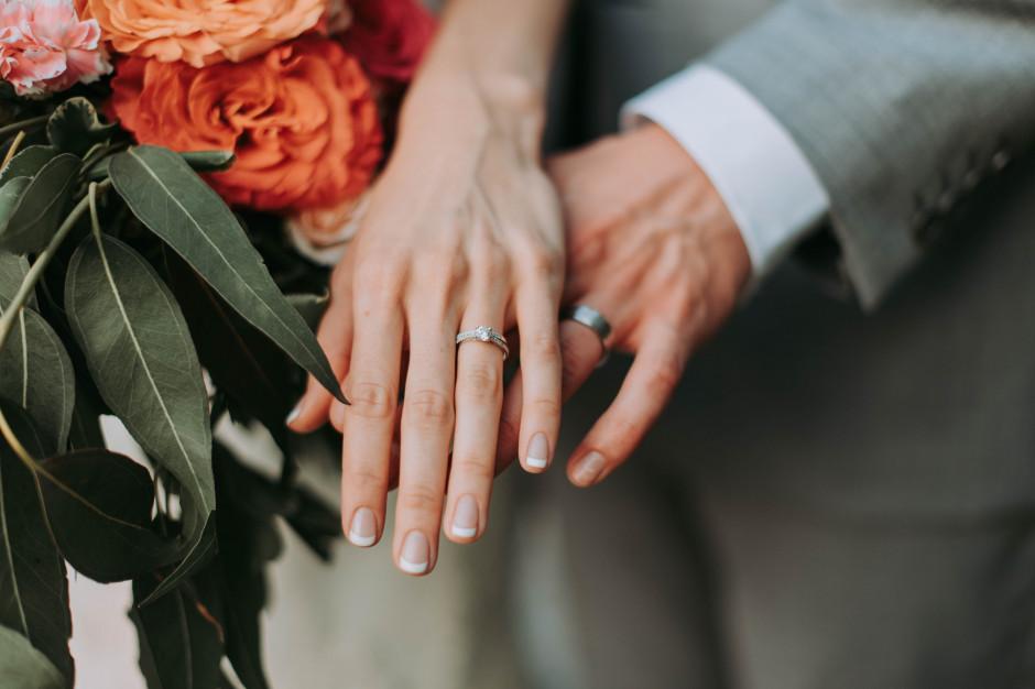 Epidemia wpływa na zastój w branży ślubnej