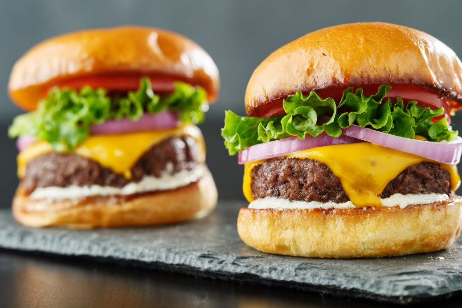 18 września to Dzień Cheeseburgera