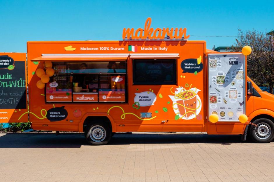 Makarun stawia food trucki przy retail parkach