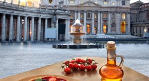 Blisko dwie trzecie Włochów ograniczyło chodzenie do restauracji