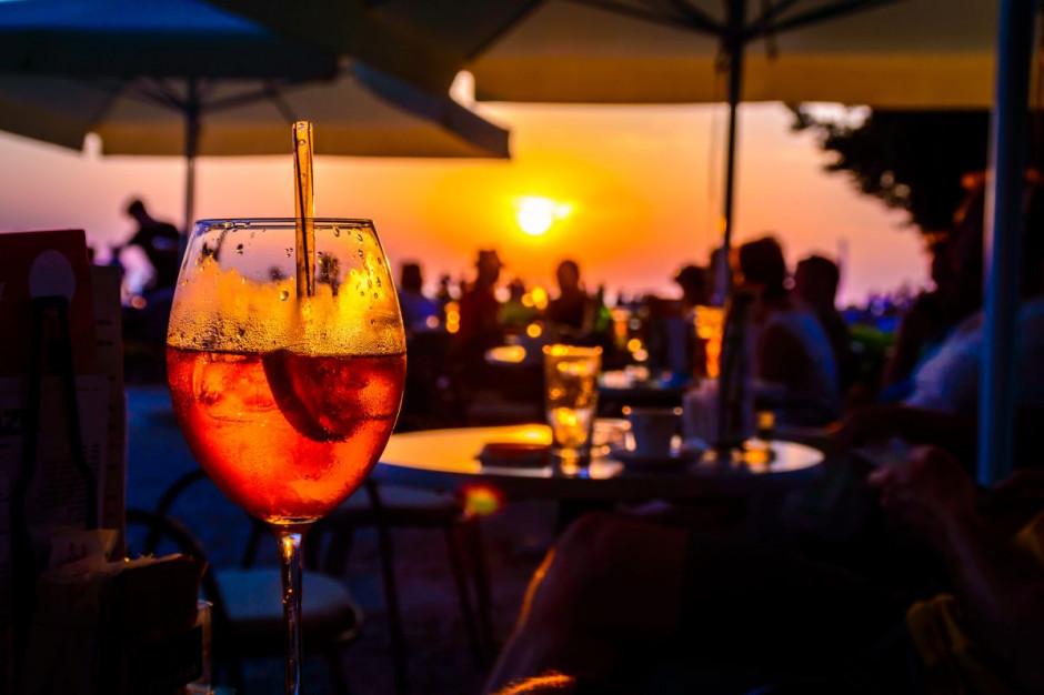 Czeka nas ogólnopolski zakaz działania gastronomii po godz. 22.00?