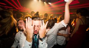 Niedzielski, MZ: wprowadzamy zakaz udostępniania lokali do imprez