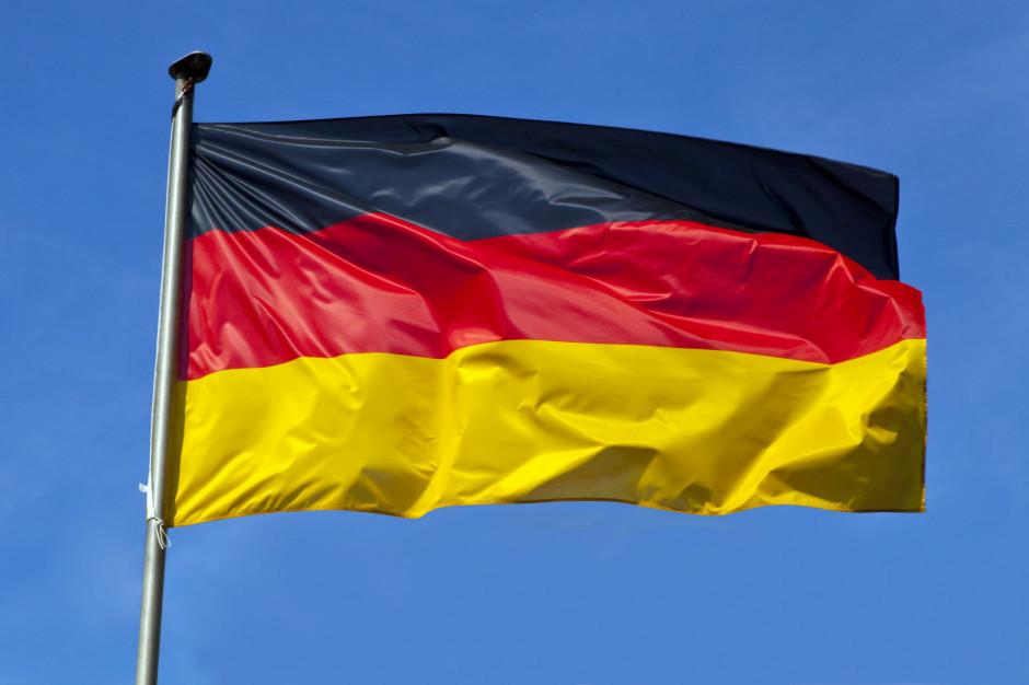 Niemcy: Miasta wprowadzają ograniczenia godzin pracy restauracji