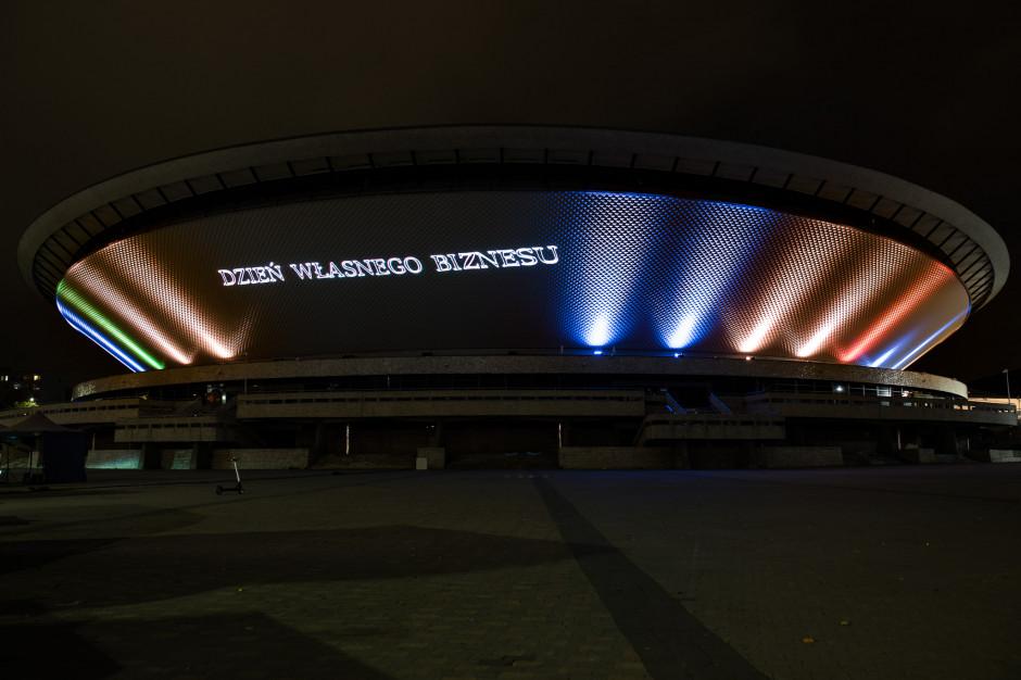 Unikatowa projekcja świetlna na fasadzie katowickiego Spodka z okazji Dnia Własnego Biznesu