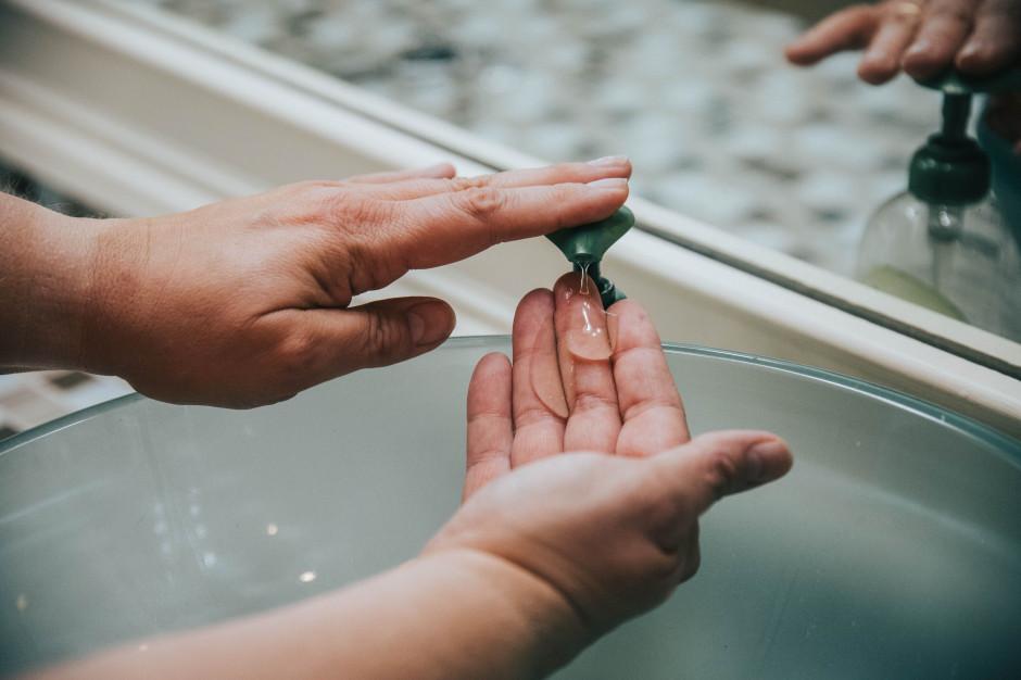 Właściciel restauracji Śląska Prohibicja i hotelu Hornigold wchodzi w produkcję żeli antybakteryjnych