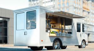 Po Wrocławiu  jeździ streetbus z posiłkami dla bezdomnych