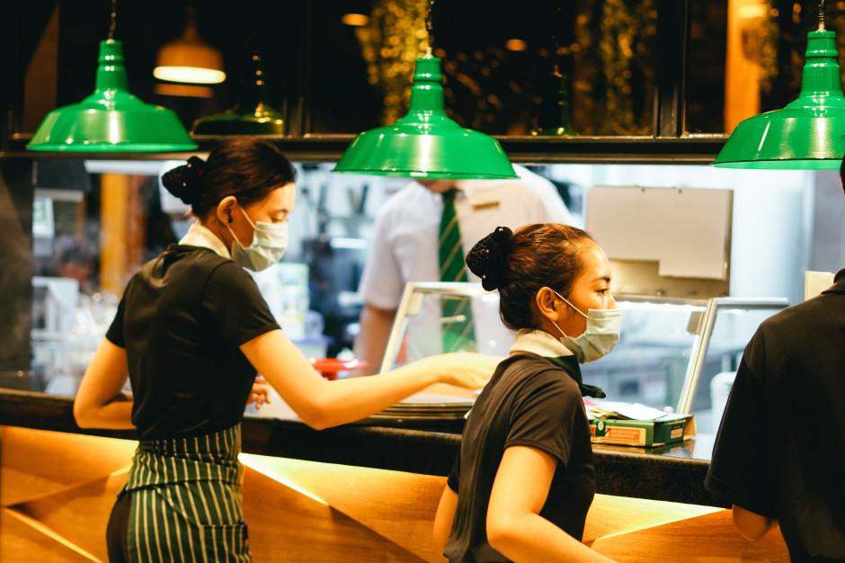 Coraz więcej problemów na rynku pracy w gastronomii