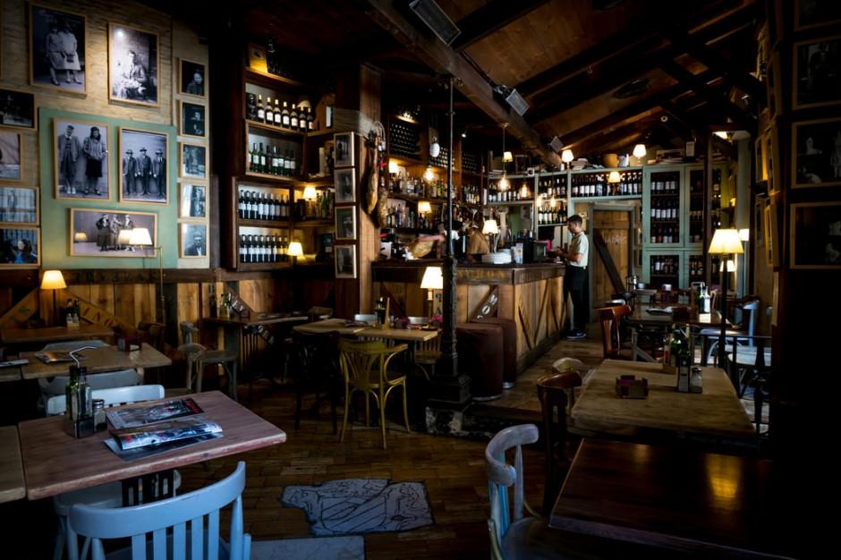 W Hiszpanii mieszkańcy odwołali burmistrza, bo zamknął jedyny bar w gminie