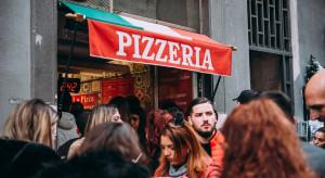 Neapol: tłumy w restauracjach i kawiarniach przed lockdownem