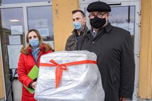 Restaurator Artur Jarczyński ufundował respirator dla warszawskiego szpitala