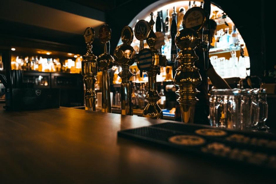 Po lockdownie w Anglii znowu mogą działać puby, bary i restauracje