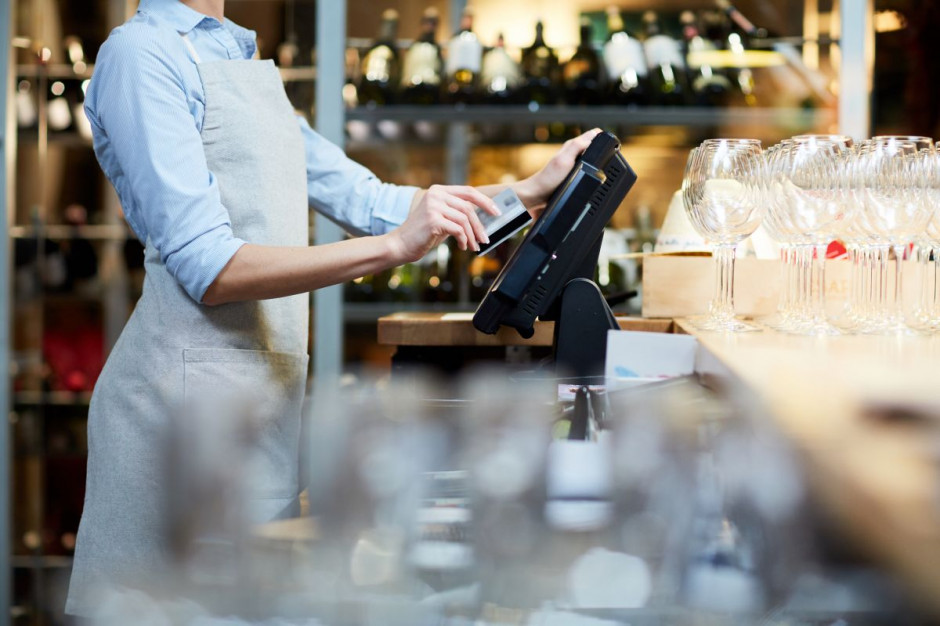 Restauracje i hotele muszą jednak kupić nowe kasy!