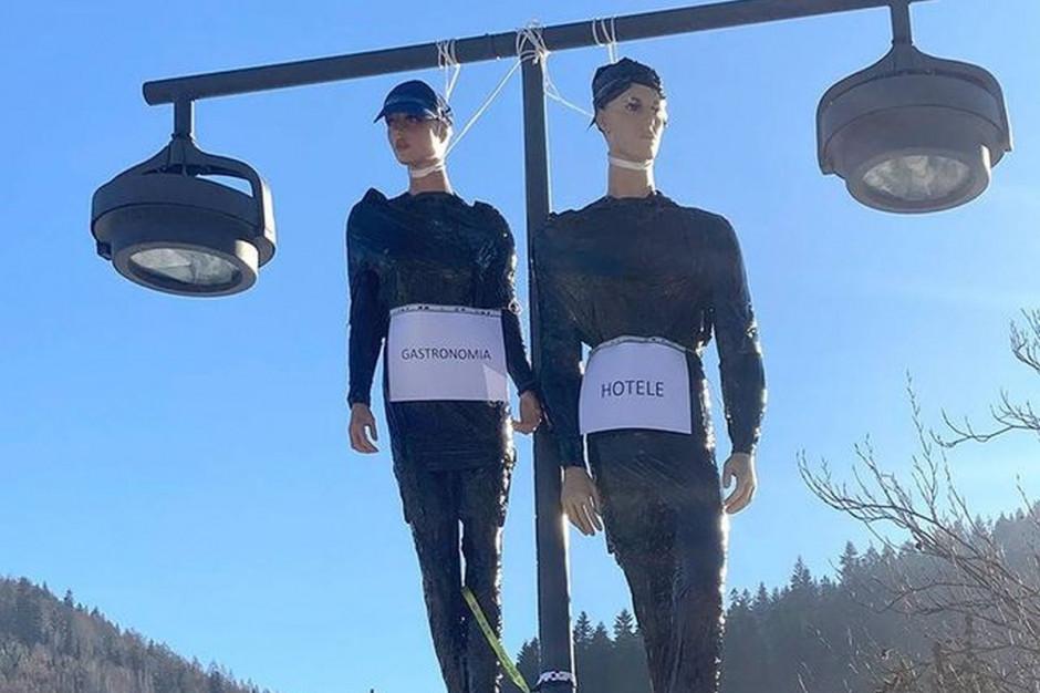 Mocny protest w Szczyrku: zawisły kukły symbolizujące restauracje i hotele