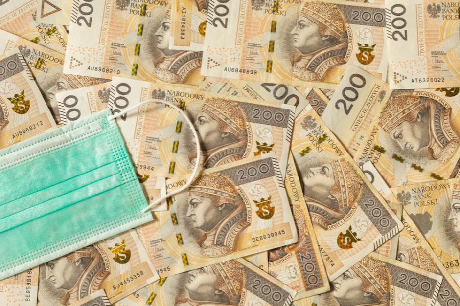 Tarcza 6.0: postojowe i zwolnienia z ZUS oraz brak opłat targowych