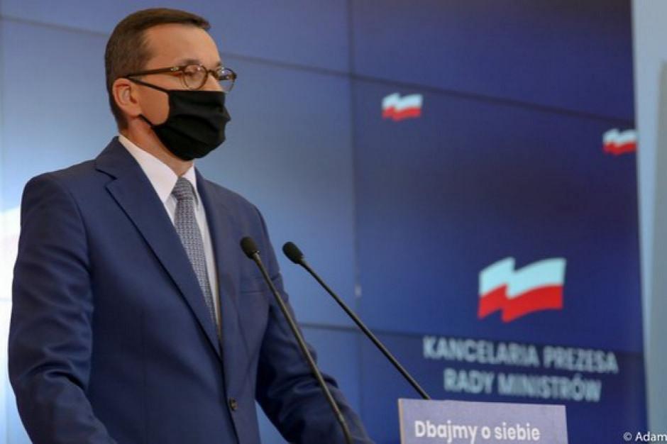 Morawiecki o otwarciu gastronomii: musimy poczekać na uspokojenie sytuacji pandemicznej