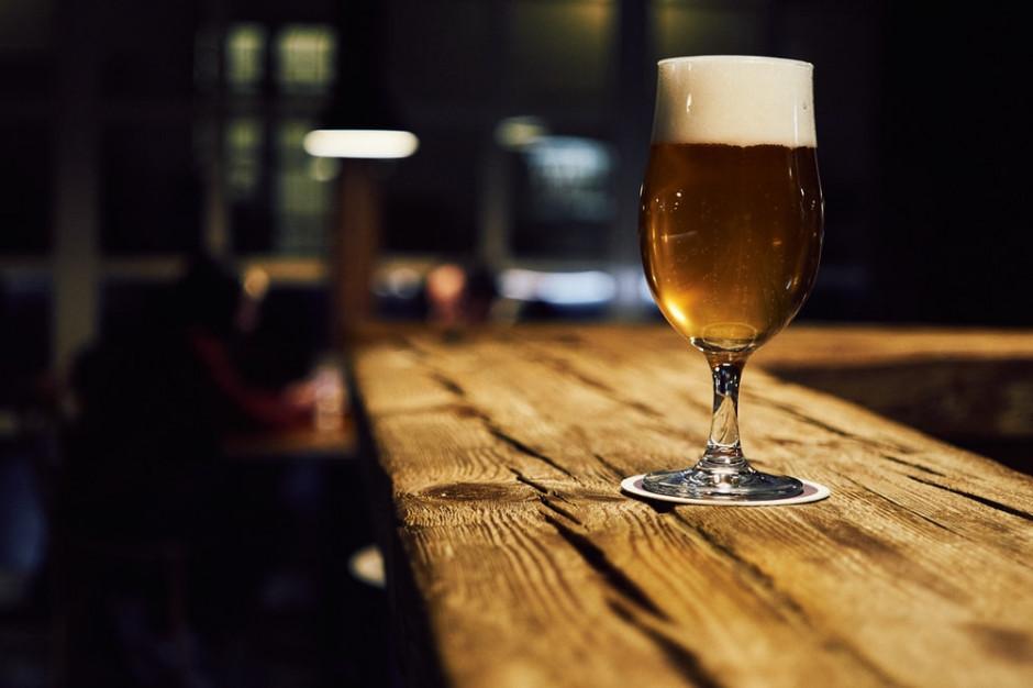 Właściciel baru usłyszał wyrok za nalanie piwa