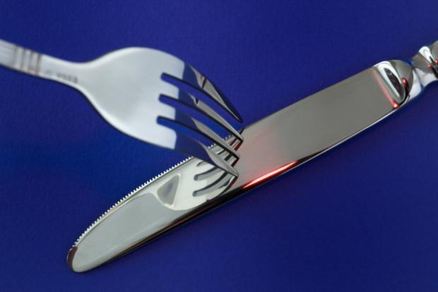 """""""Restauratorzy umierają z głodu"""" - otwarte lokale wbrew przepisom rządu"""