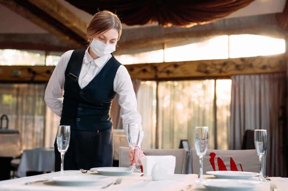 Kelnerzy nie wytrzymali lockdownu