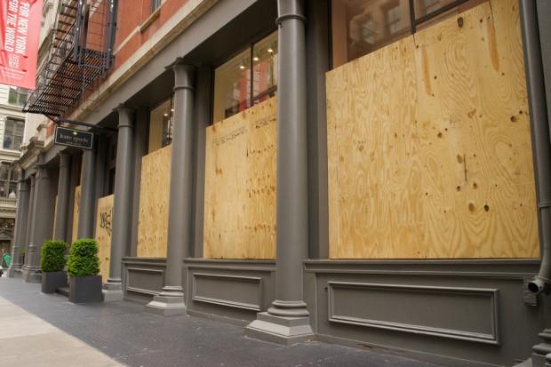 Pandemia i niepokoje społeczne uderzają w waszyngtońskich restauratorów