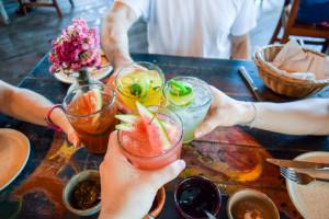 Lokale muszą opłacić koncesję na alkohol. Ale nie wiedzą, kiedy go będą sprzedawać