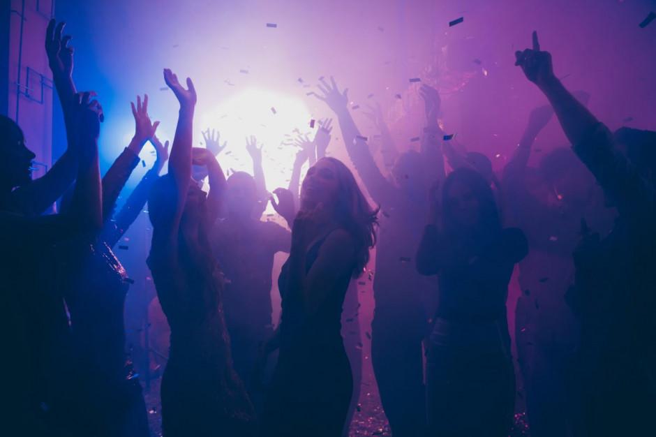 Nielegalna impreza w jednym ze stołecznych lokali