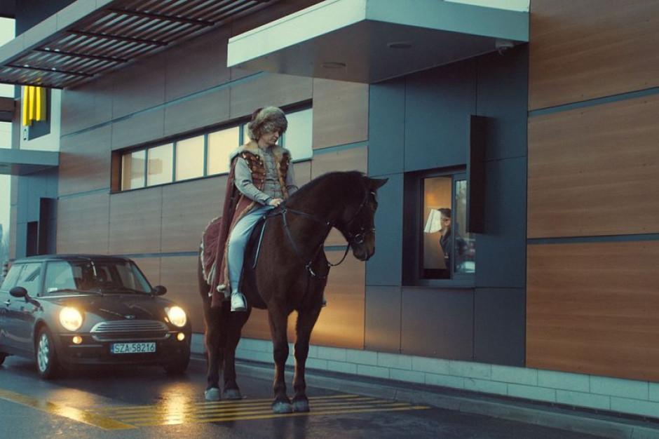 Borys Szyc, Michał Żebrowski i koń w nowej reklamie McDonald's