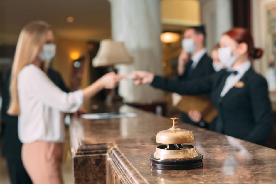 Kto może spać w hotelach - rozszerzono listę zawodów z pozwoleniem na nocleg