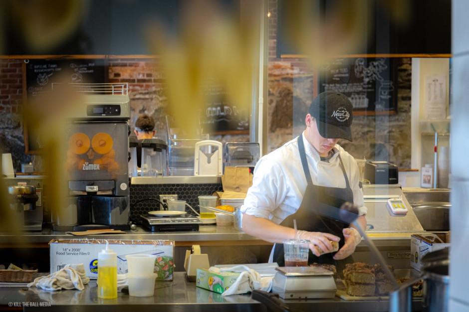 Restauracje i hotele otwierane wbrew zakazom mogą mieć problemy z fiskusem