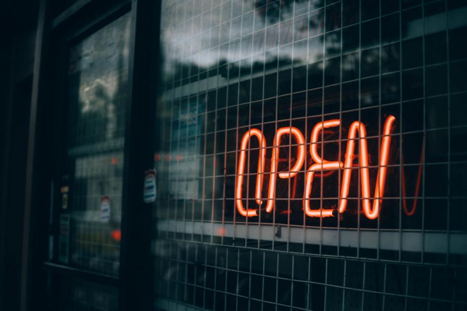 Ekspert: restauracje w reżimie sanitarnym mogłyby być otwarte