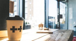 Kawiarnie tracą. Kawę częściej kupujemy w sklepie lub na stacji paliw