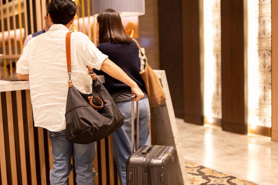 Mniej turystów, więcej hoteli na sprzedaż