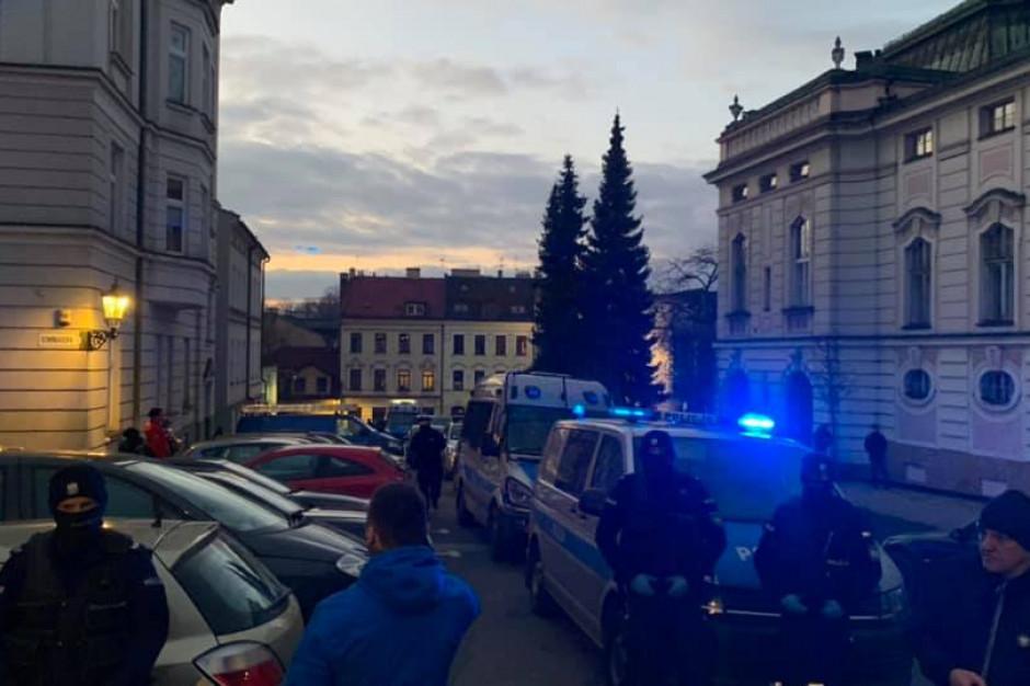 Śląsk: 33 postępowania i 10 kar za otwieranie lokali wbrew przepisom