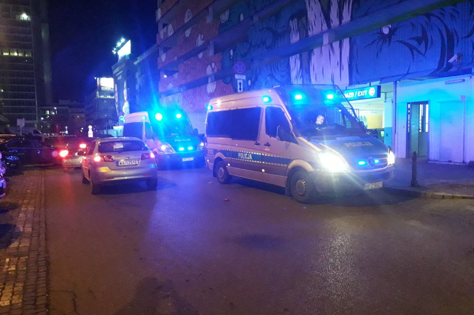 Nocna interwencja policji w PiwPaw Parkingowa
