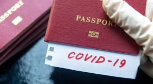 """Chiny wprowadzają """"paszporty szczepień"""" dla podróży zagranicznych"""