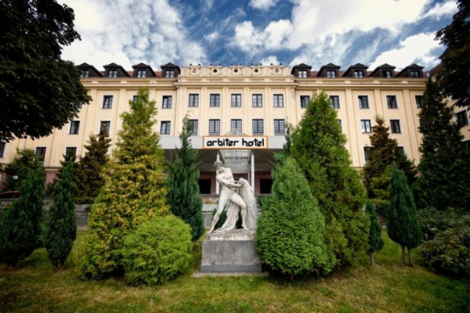 Hotel Arbiter w Elblągu wystawiony na sprzedaż