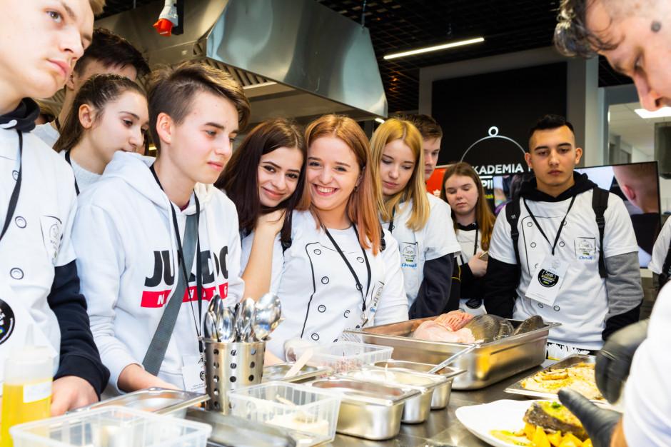Makro zaprasza uczniów szkół gastronomicznych do projektów online