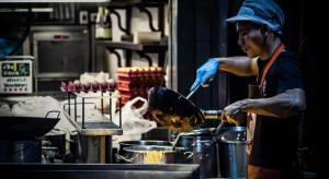 Holenderscy restauratorzy wykorzystują azjatyckich szefów kuchni