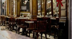 Francja otwiera tarasy restauracyjne