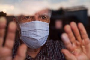 Spadek zachorowań na COVID-19