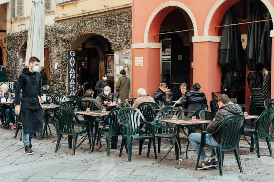 We Włoszech polemika wokół łagodzenia restrykcji w gastronomii